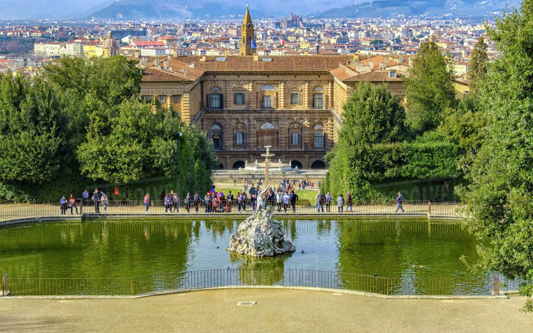 Visit the Boboli Gardens and its fountains